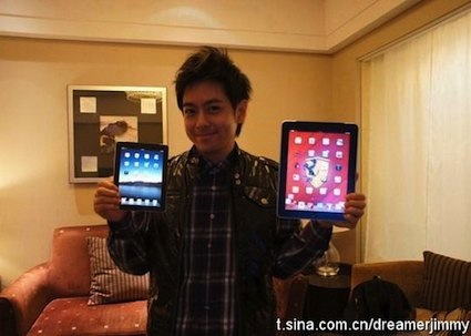 Jimmy_Lin_with_mini_iPad.jpg