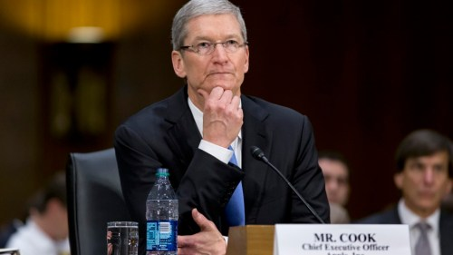 tim-cook-in-court