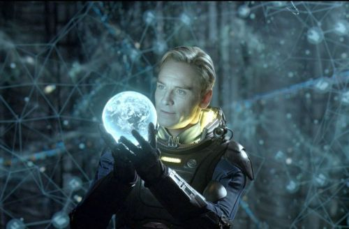 Michael-Fassbender-as-David-in-Prometheus